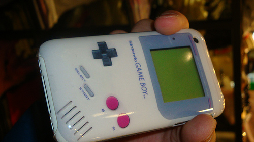 etui iphone geek gameboy
